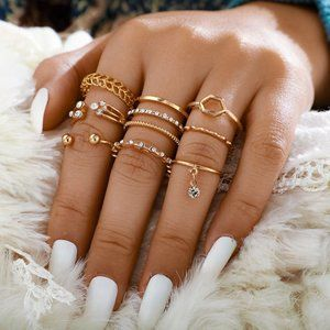 ❤️ Boho Gold Crystal Minimalist Stacking Ring Set